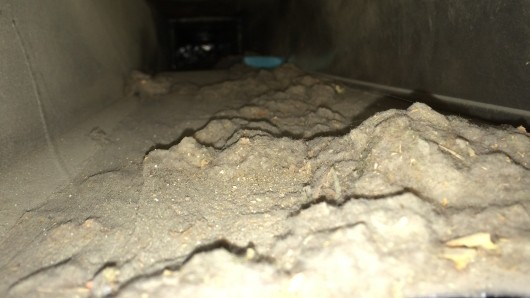 how to clean furnace ducts at home